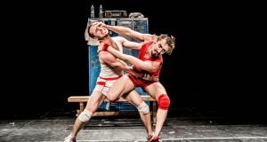 Un Poyo Rojo (spectacle) : romance dans les vestiaires